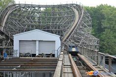 9/11 | Photo du Roller Coaster Bandit situé à Movie Park Germany (Allemagne). Plus d'information sur notre site http://www.e-coasters.com !! Tous les meilleurs Parcs d'Attractions sur un seul site web !! Découvrez également notre vidéo embarquée à cette adresse : http://youtu.be/zGp3Uj6R2w4