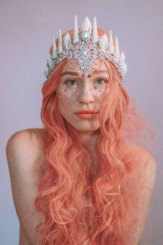 Galactic Magic Mermaid Tiara - ref/insp - mystical themes - Costume Mermaid Cosplay, Mermaid Pose, Mermaid Crown, Mermaid Headpiece, Mermaid Costumes, Fairy Costumes, Woman Costumes, Couple Costumes, Group Costumes