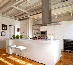 Cocina de la revista El Mueble | White kitchen from El Mueble magazine  #cocina #modern #moderno #kitchen #interiorism #interior #design #interior #decoracion #interiorismo