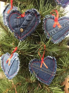 Recycled denim ornament sets Set of 3 denim heart ornaments. Approximately in size. Each ornament is made of recycled denim jeans, lightly stuffed and the edges are frayed. They have a red ribbon hanger. When ordering please specify which set you would Christmas Sewing, Christmas Projects, Holiday Crafts, Plaid Christmas, Rustic Christmas, Christmas Christmas, Diy Christmas Ornaments, Handmade Christmas, Christmas Decorations