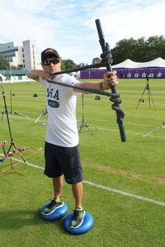 It' all in your head: one of the most effective ways to achieve higher archery scores starts with changing the way you think. Crossbow Targets, Crossbow Arrows, Crossbow Hunting, Archery Hunting, Diy Crossbow, Archery Targets, Field Archery, Archery Arrows, Quail Hunting