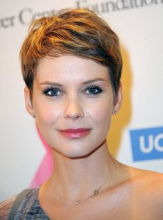 "Actress Andrea Osvart attends TJ Scott's ""In The Tub"" Book Party. Funky Short Hair, Short Grey Hair, Very Short Hair, Short Hair Cuts, Short Hair Styles, Pixie Cuts, Short Pixie Haircuts, Cute Hairstyles For Short Hair, My Hairstyle"