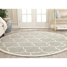 Safavieh Handmade Contemporary Moroccan Chatham Gray/ Ivory Wool Rug (5' Round) - Overstock™ Shopping - Great Deals on Safavieh Round/Oval/Square