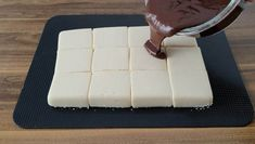 Yumuşacık Bir Tatlı Tarifi Cake Recipes, Food And Drink, Cheese, Desserts, Food And Drinks, Simple, Bakken, Dump Cake Recipes, Deserts
