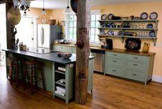 Küche Balken Holz Tisch Stuhl Wand  Design weiß modern luxuriös ländlich Platten
