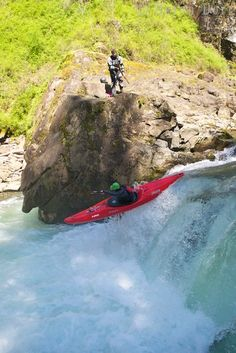 Adam Mills Elliott long boating Hammering Spot on the Canyon Creek, WA.