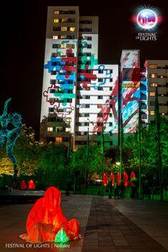 https://flic.kr/p/N6AkN6 | Märkisches Viertel @ FESTIVAL OF LIGHTS 2016 | Märkisches Viertel during the Festival of Lights 2016. Different light installations and a visit of the Guardians of Time by Manfred Kielnhofer  #Berlin #FestivalofLights #FoL #GuardiansofTime #Illumination #KiezimLicht #Lichtkunst #Lighting #Lightseeing #Manfred Kielnhofer #Nelofee #Oktober #Sight #Sightseeing #Skulptur #Stadtviertel #VisitBerlin #Zander&Partner #märkischesviertel #Wächter der Zeit #GESOBAUAG