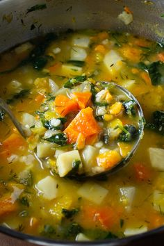 There's nothing like Fall soups to help ease the transition from summer. And a delicious, healthy root vegetable soup with barley is the perfect segue. Vegetarian Vegetable Soup, Veg Soup, Potato Vegetable, Vegetable Soup Recipes, Healthy Soup Recipes, Vegetarian Recipes, Sweet Potato Soup Healthy, Low Calorie Vegetable Soup, Healthy Fall Soups