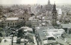 Vista desde el Miguelete hacia el sur, debajo y en el centro la desaparecida calle Zaragoza. 1930.- La Valencia desaparecida: febrero 2014