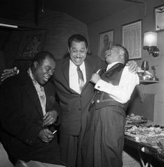 Louis Armstrong, Cab Calloway and Billy Daniels - this one goes out to my dad grew up with his love of jazz and big band music - thanks dad. Jazz Artists, Jazz Musicians, Music Artists, Music Icon, Soul Music, My Music, Louis Armstrong, Nova Orleans, Classic Jazz
