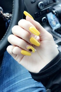 Yellow Nails Yellow acrylic coffin nails with sunflower design by Acrylic Nails Natural, Summer Acrylic Nails, Cute Acrylic Nails, Fun Nails, Painted Acrylic Nails, Matte Nails, Acrylic Art, Glitter Nails, Summer Nails