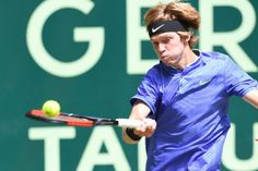 Umag (Croatia) (AFP) - Russian lucky loser Andrey Rublev reached his first ATP World Tour final on Saturday with a win over Croatian. Croatia, Finals, Tennis, Tours, Entertaining, Feelings, Sports, Trainers, Hs Sports