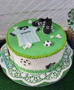 Football Cake by Violeta Glace Sports Birthday Cakes, Football Birthday Cake, Sports Themed Cakes, Soccer Birthday Parties, Soccer Party, Beautiful Cakes, Amazing Cakes, Bike Cakes, Sport Cakes