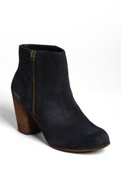 Black Heeled Boot, Prefect for Skinny Jeans