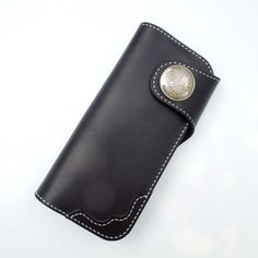 Overview: Design: Handmade Leather Biker Wallet Mens Cool Chain Wallet Trucker Wallet with ChainIn Stock: Ready to Ship(2-4 days)Include: Only WalletCustom:N