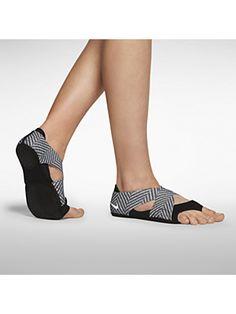 The Nike Studio Wrap 2 Print Women s Training Shoe. Stronger feet improve  posture 1e13641683