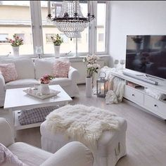 Adorable 46 Vintage Apartment Living Room Design Ideas For Valentines Day Shabby Chic Living Room, Home Living Room, Apartment Living, Living Room Designs, Living Room Decor, Living Room White, Style Salon, Vintage Apartment, Home And Deco