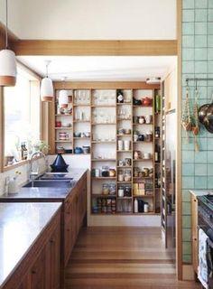 Las cocinas con baldas cada vez están más de moda... ¿Cuál te gusta más?