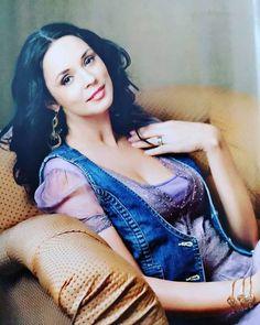 """Mama lui Mircea Badea a demolat-o pe Andreea Marin pentru că a avut foarte multe căsnicii şi relaţii: """"Interiorul ei a fost """"luminat"""" de un număr impresionant de bărbați!"""" Romanian Women, Wonder Woman, Entertainment, Superhero, Celebrities, Interior, Celebs, Indoor, Interiors"""