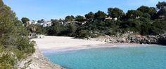 Ir a la playa en otoño  Ya ha empezado el otoño, pero en Mallorca cuando hace buen tiempo cualquier época es bueno para dar un chapuzón.
