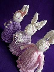 Knitting Pattern For A Bunny Egg Cosy : 1000+ images about Egg cosy on Pinterest Eggs, Creme ...