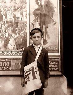 1910, Newspaper boy in Wilmington, Delaware