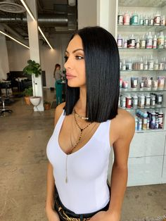 styles for short length hair bob black Perfect hair blob Shoulder Length Hair Balayage, Shoulder Length Hair With Bangs, Layered Haircuts Shoulder Length, Shoulder Hair, Short Black Hairstyles, Straight Hairstyles, Bob Hairstyles, Longbob Hair, Blonde Hairstyles
