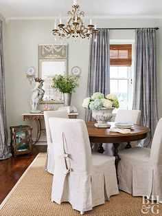 Vintage French Soul ~ round dining room table with four chairs Round Dinning Table, Dining Room Table, Traditional Dining Rooms, Traditional House, French Country Decorating, French Decor, Home Repairs, Interior Design Tips, Upholstered Chairs
