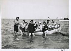 Saluti da Alassio! Greetings from Alassio! (Photo: Carlo Gherlone, 1925-1930) #moda #vintage #retro #Alassio #Riviera #Liguria #viaggi #vacanza #holiday #journey #anniTrenta  #anniVenti #the1920s #the1930s