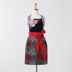 Zástěra Mika Fabric Crafts, Apron, Fashion, Moda, Clothes Crafts, Fashion Styles, Fashion Illustrations, Aprons