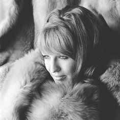 Liesbeth List (1941) - Dutch singer, stage actress and TV personality. Photo by Paul Huf, 1966