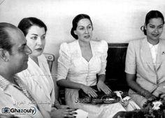 صورة مديحة يسرى والفنانة ليلى مراد والفنانة ميمى شكيب وزوجها الفنان سراج منير