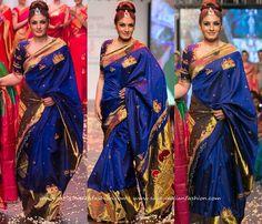 Raveena Tandon at Mysore Fashion Week 2016, Raveena Tandon in Blue Silk Saree, Celebrity Blue Silk Sarees.
