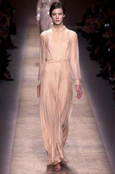 Valentino Spring 2013 Ready-to-Wear Collection Photos - Vogue
