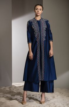 Jall Floral Embroidered Anarkali Jacket Fabric Material: Chanderi Bottom: Palazzo Material Composition: Silk Care: Dry Clean Only Casual Dresses, Fashion Dresses, Casual Wear, Ladies Fancy Dress, Embroidery Suits Design, Kurta Designs Women, Royal Dresses, Queen Fashion, Kurti Designs Party Wear
