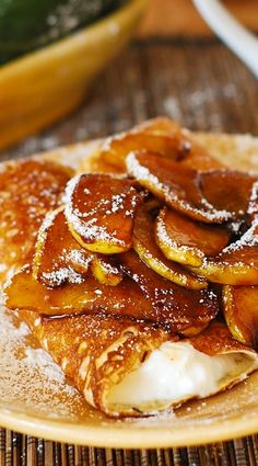 Healthier desserts: Crepes and caramelized pears, with low-fat creamy ricotta cheese filling | Fall desserts, breakfast recipe