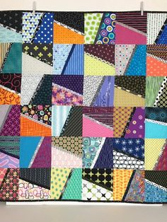 This Paige pattern combines complementing colors in each block, connected by black and white stripes, Quilt Square Patterns, Patchwork Quilt Patterns, Crazy Patchwork, Square Quilt, Patchwork Fabric, Lap Quilts, Scrappy Quilts, Quilting Projects, Quilting Designs