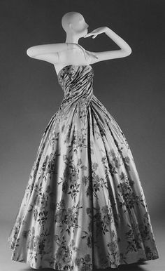 """Compiègne"" Design House: House of Dior (French, founded 1947) Designer: Christian Dior (French, Granville 1905–1957 Montecatini) Date: fall/winter 1954–55 Culture: French Medium: silk"