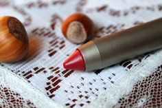 Vegan Lipsticks for Autumn | ILIA Lipstick Crayon in 99 Red Balloons  *ONCE UPON A CREAM Vegan Beauty Blog*