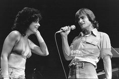 Grace Slick & Marty Balin perform with Jefferson Starship at the Boston Garden, Boston, MA July 1976 Get premium, high resolution news photos at Getty Images Marty Balin, Boston Pictures, Jefferson Starship, Jefferson Airplane, Grace Slick, Still Image, Music Artists, Rock And Roll, Concert