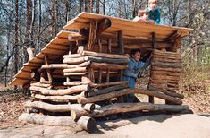Dětské hřiště - Hradiště a Doba kamenná, areál Botanické zahrady hl. m. Prahy, 1999  Botanic garden, Prague