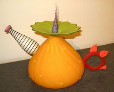 Kliszewski Glass Mango Teapot: Handmade art glass by Bob & Laurie Kliszewski