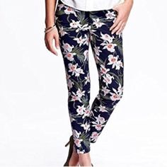 New! PIXIE PANTS ankle Capri 6 navy floral print My favorite pants! I have them in several colors, just never got around to wear these. They can be dressed up with heels or dressed down worn casually with a tee, cardigan, blouse...great for work! True to size. navy Blue with floral Print; Ankle Length; 95% Cotton 5% Spandex; Double hook-and-bar closure, with interior button closure. medium-weight twill with added stretch for a flattering fit and feel. Mid-rise hits just below waist. Hits…
