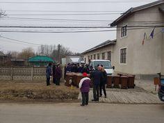 Primăria Pașcani distribuie pubele pentru gunoiul rezidual cetățenilor din suburbii Predator, Street View
