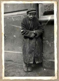 A Jewish Man, Ghetto, Poland, 1940 Jewish History, World History, Warsaw Ghetto, Jewish Ghetto, Jewish Men, Never Again, Lest We Forget, Interesting History, Back In The Day