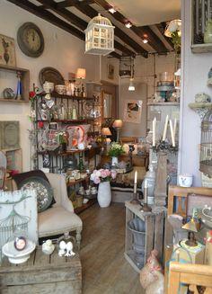 Intérieur de la boutique Chez Bétoche #chezbetoche #objets #decoration