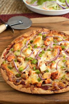 Slimming Eats Syn Free BBQ Chicken Pizza – gluten free, vegetarian, Slimming Wor… Slimming Eats Syn Free BBQ Chicken Pizza – gluten free, vegetarian, Slimming World and Weight Watchers friendly Slimming World Pizza, Slimming World Dinners, Slimming World Recipes Syn Free, Slimming Eats, Slimming World Lunch Ideas, Sliming World, Healthy Snacks, Healthy Recipes, Healthy Eating