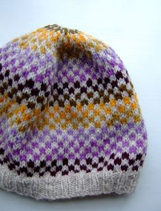 Love the colors and pattern in this hat.  Have to make it for a grandchild for this Christmas.