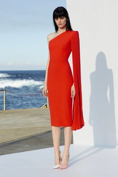 The Ivory Closet has a wide range of dresses by designer Alex Perry. We are based in Limerick but provide designer dress hire to clients throughout Ireland. Alex Perry, Red Fashion, Couture Fashion, Fashion Show, Fashion Design, Elegant Dresses, Beautiful Dresses, Designer Dress Hire, Couture Mode
