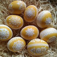Egg Crafts, Easter Crafts, Egg Shell Art, Easter Egg Designs, Egg Art, Egg Decorating, Dot Painting, Happy Easter, Crafts To Make